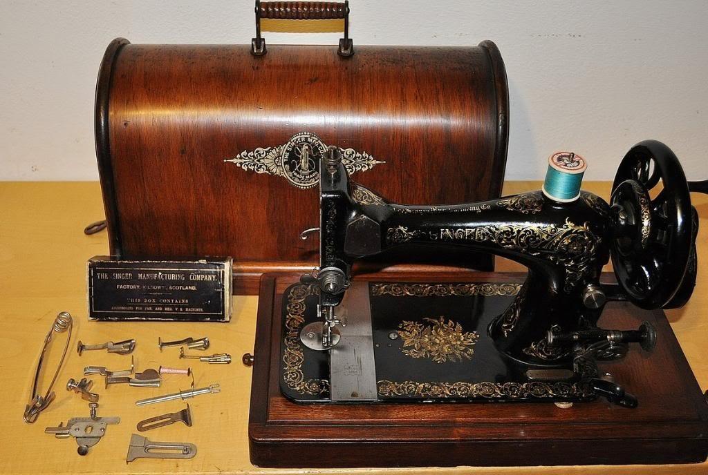antica macchina da cucire a manovella singer 28 serie