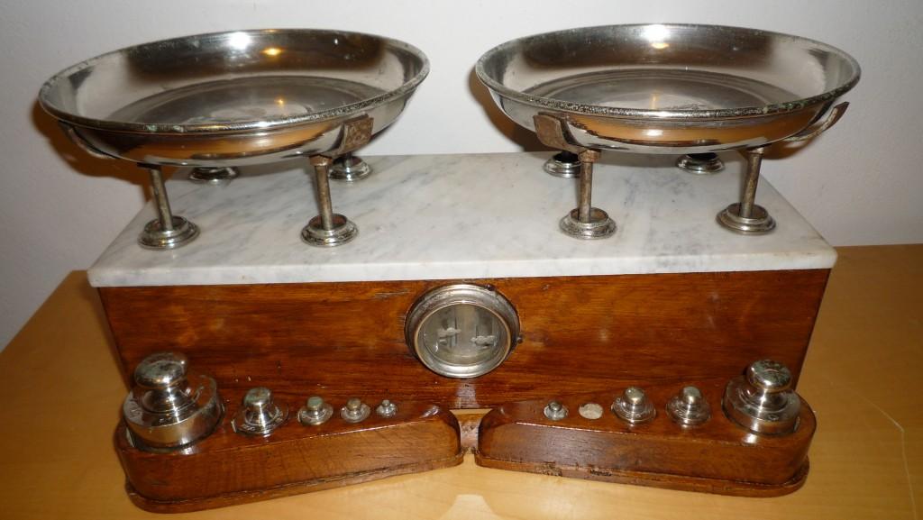 Antica bilancia dell 800 cose preziose elenco antiquari - Elenco utensili da cucina ...