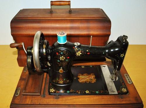 Antica macchina cucire, vecchia macchina cucire , Singer, Saxonia,tedesca,madreperla
