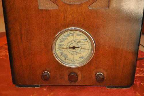 Antica Radio a Valvole Francese BFR del 1930'