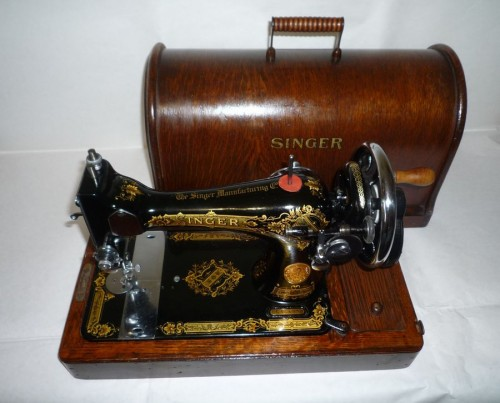 Antica macchina da cucire singer cose preziose for Macchina da cucire singer elettrica