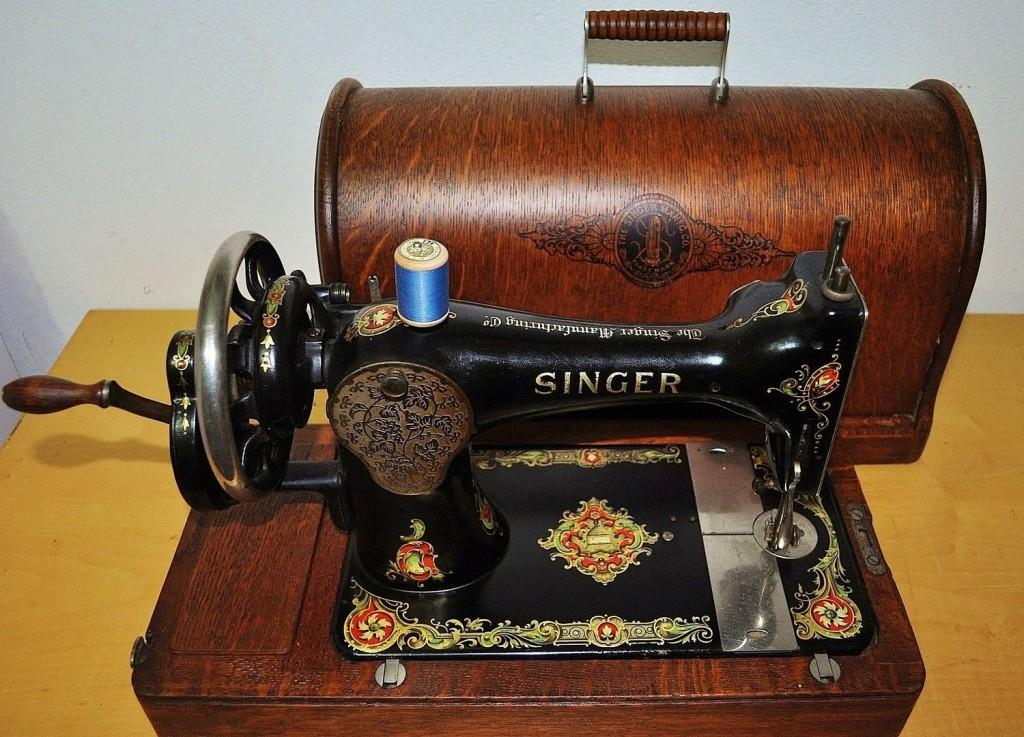 Antica macchina da cucire singer a manovella for Ipercoop macchina da cucire
