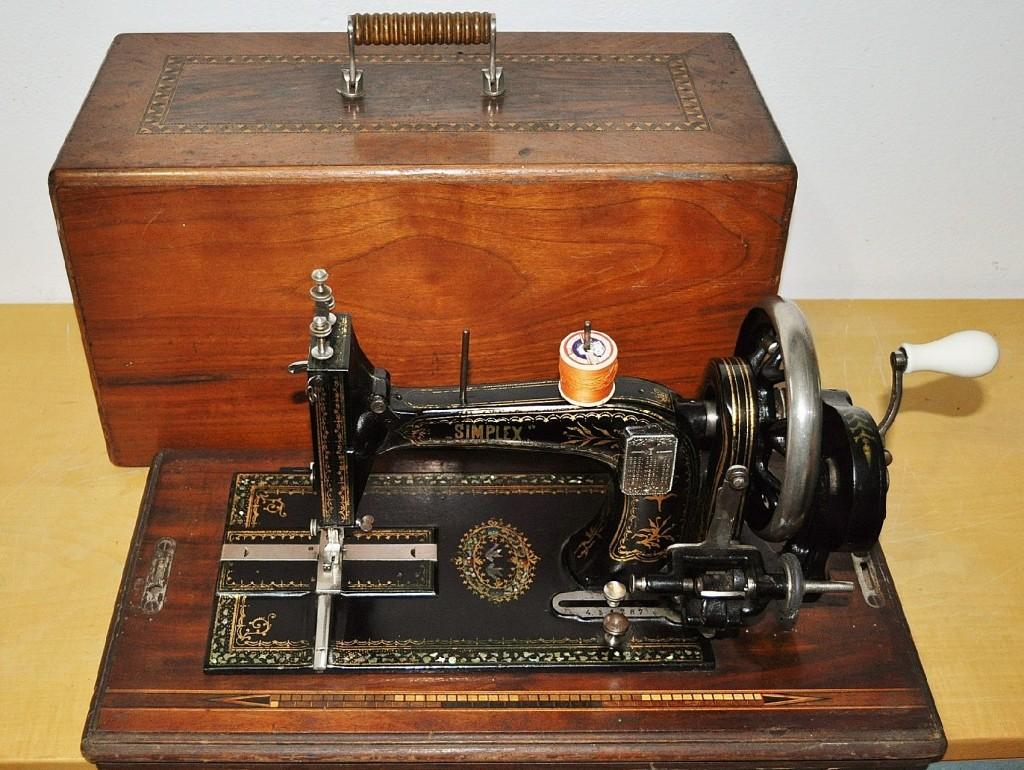 Antica macchina da cucire tedesca opel simplex in for Modelli macchine per cucire singer